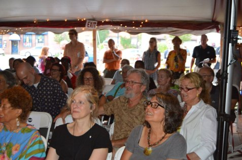 Appreciative crowd! – Photo by Gloria Waslyn