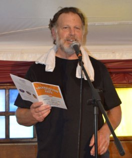 Peter Wexler, Curator and Master of Ceremonies of the evening.– Photo by Gloria Waslyn